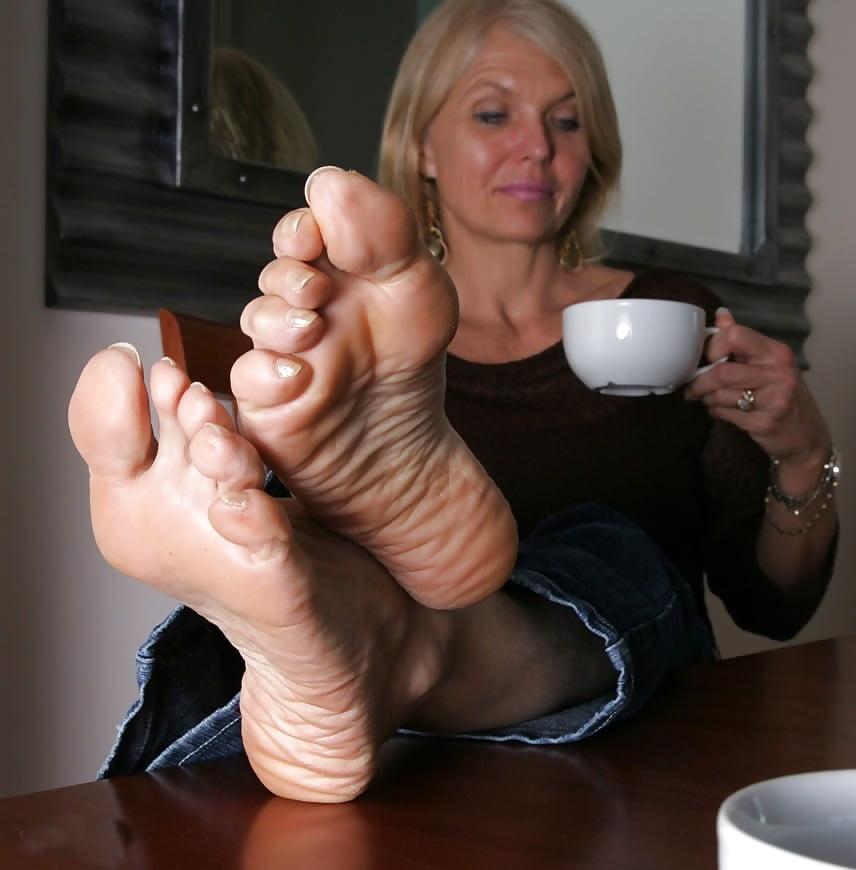 Mona Lisa Mature Feet