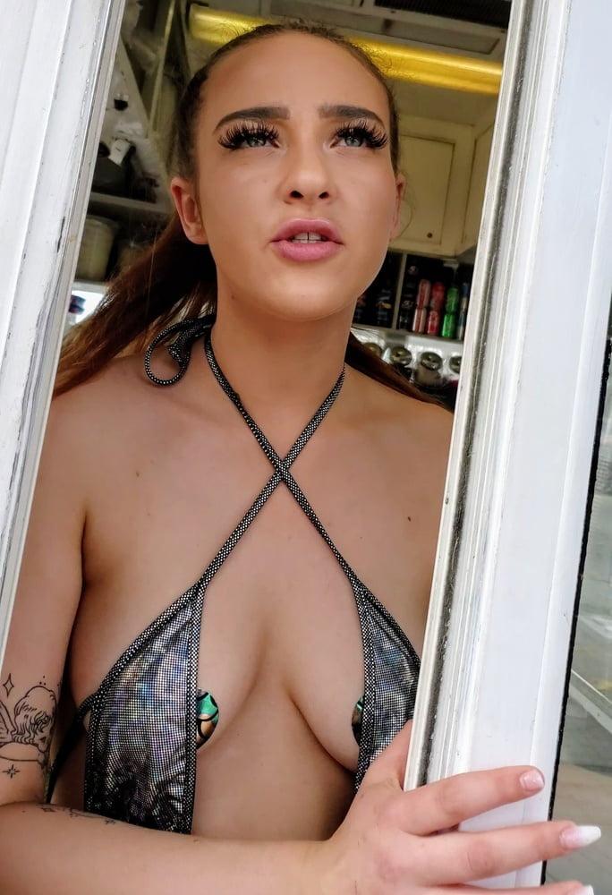 Sexy Barista Babes - 68 Pics
