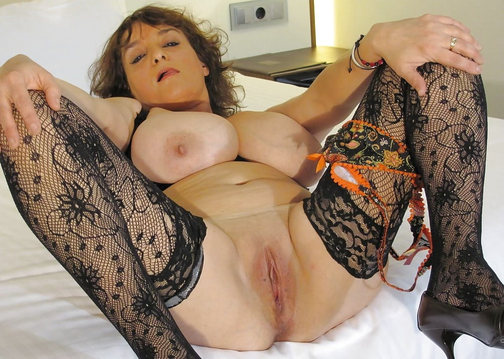 hot-mature-gals-video