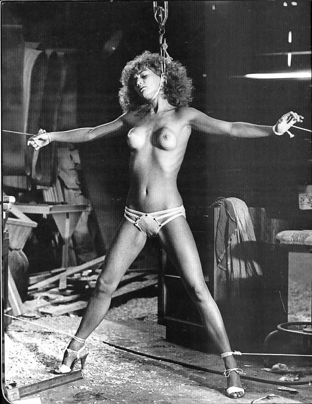 порно с рабынями в стиле ретро - 8