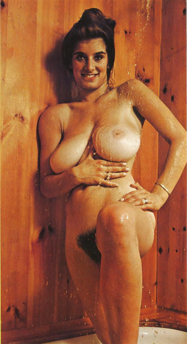 Michelle trachtenberg shows her tits