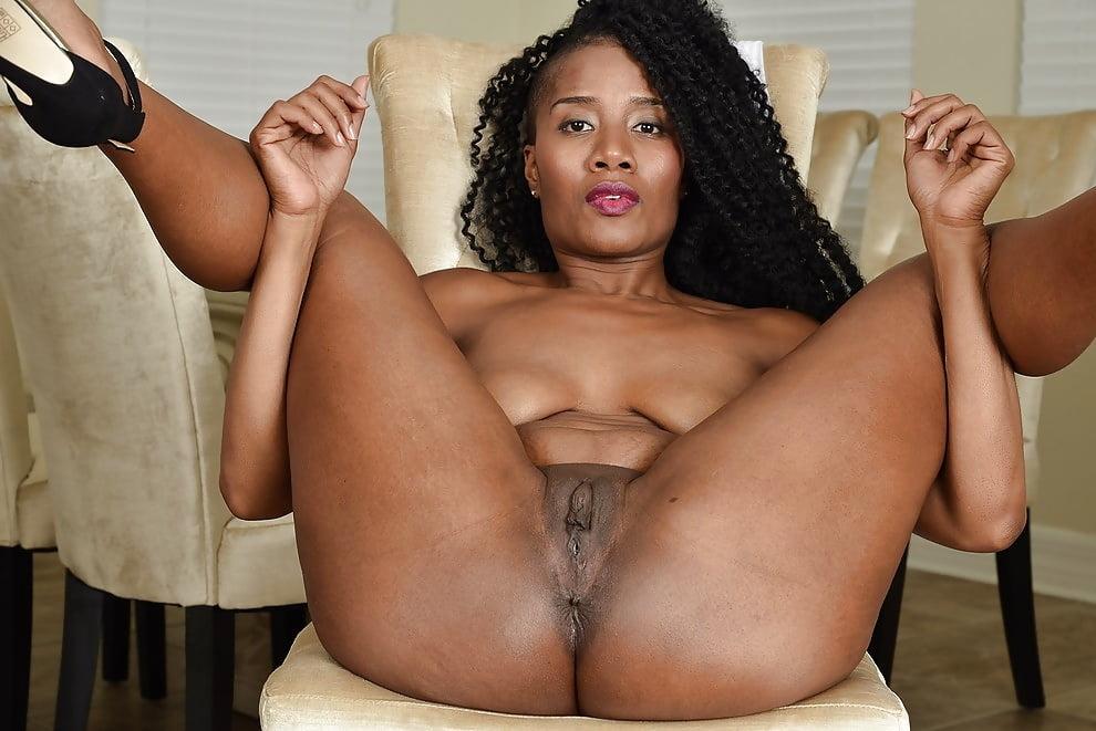 Ebony Open Pussy Pic