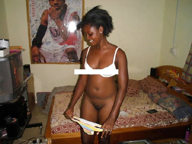 Side chick leaks naked photo of popular ghana chief