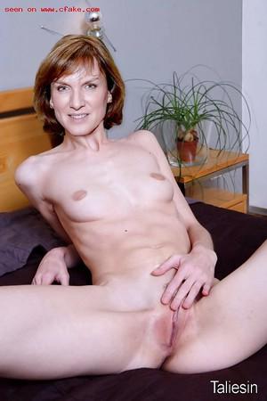 Ebanovina veliki klitoris lezbijke