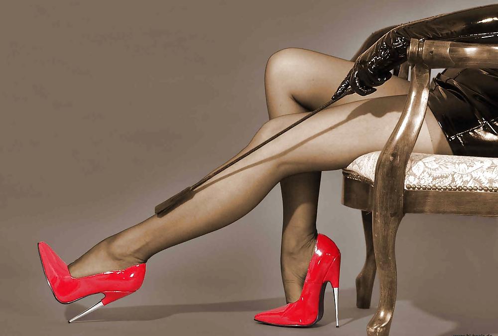 лижет в красных туфельках осуждались повзрослевшие