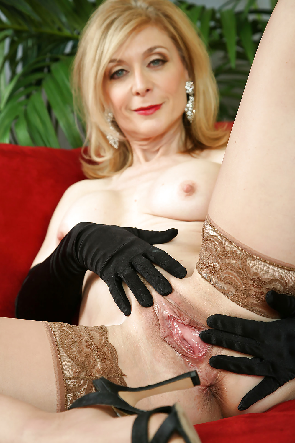 nina-hartley-spread-eagle-photos