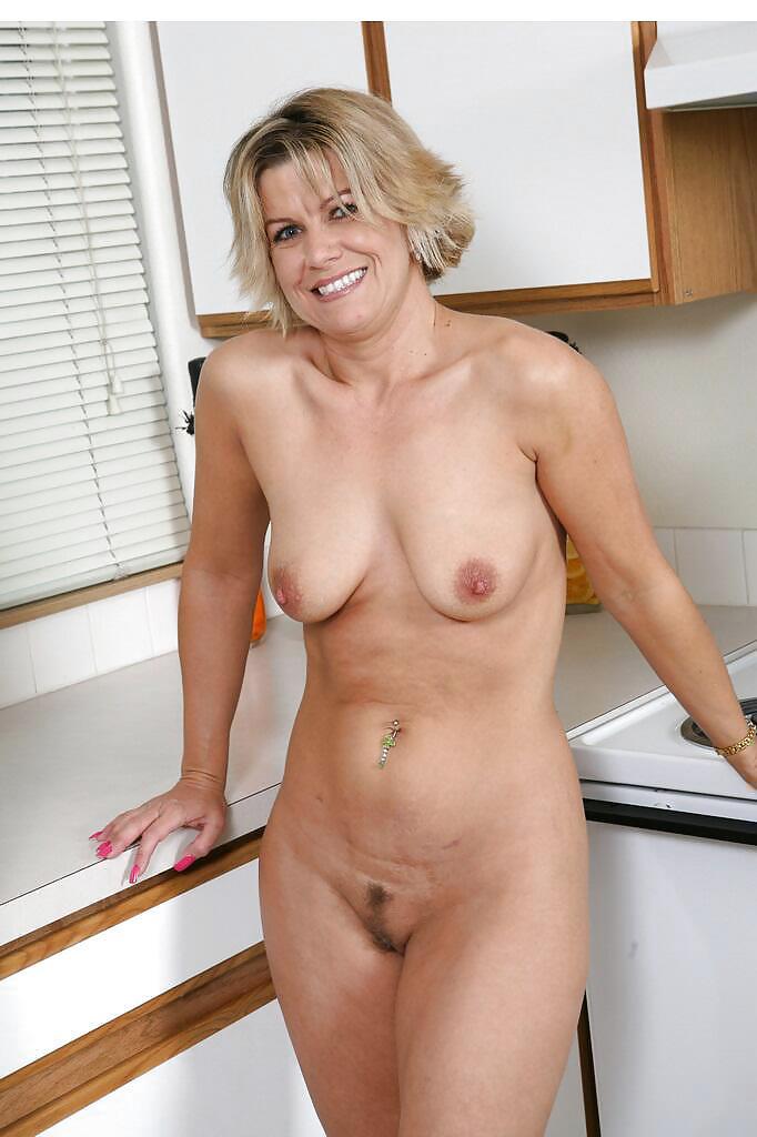 Mature muscular women naked