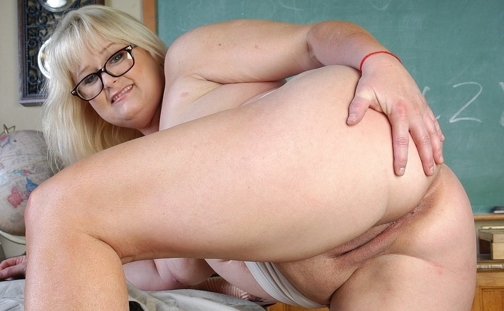 Watch sex pics with mature women here