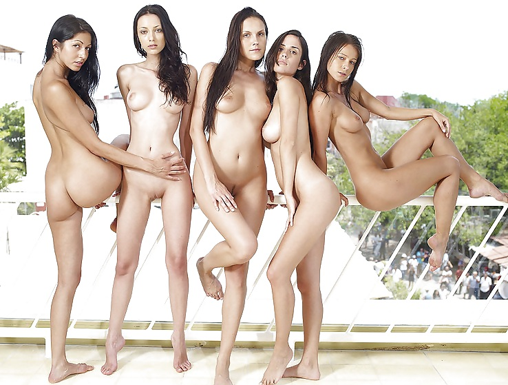 Nude girls group pics