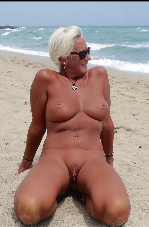 Older women nude beach — 1