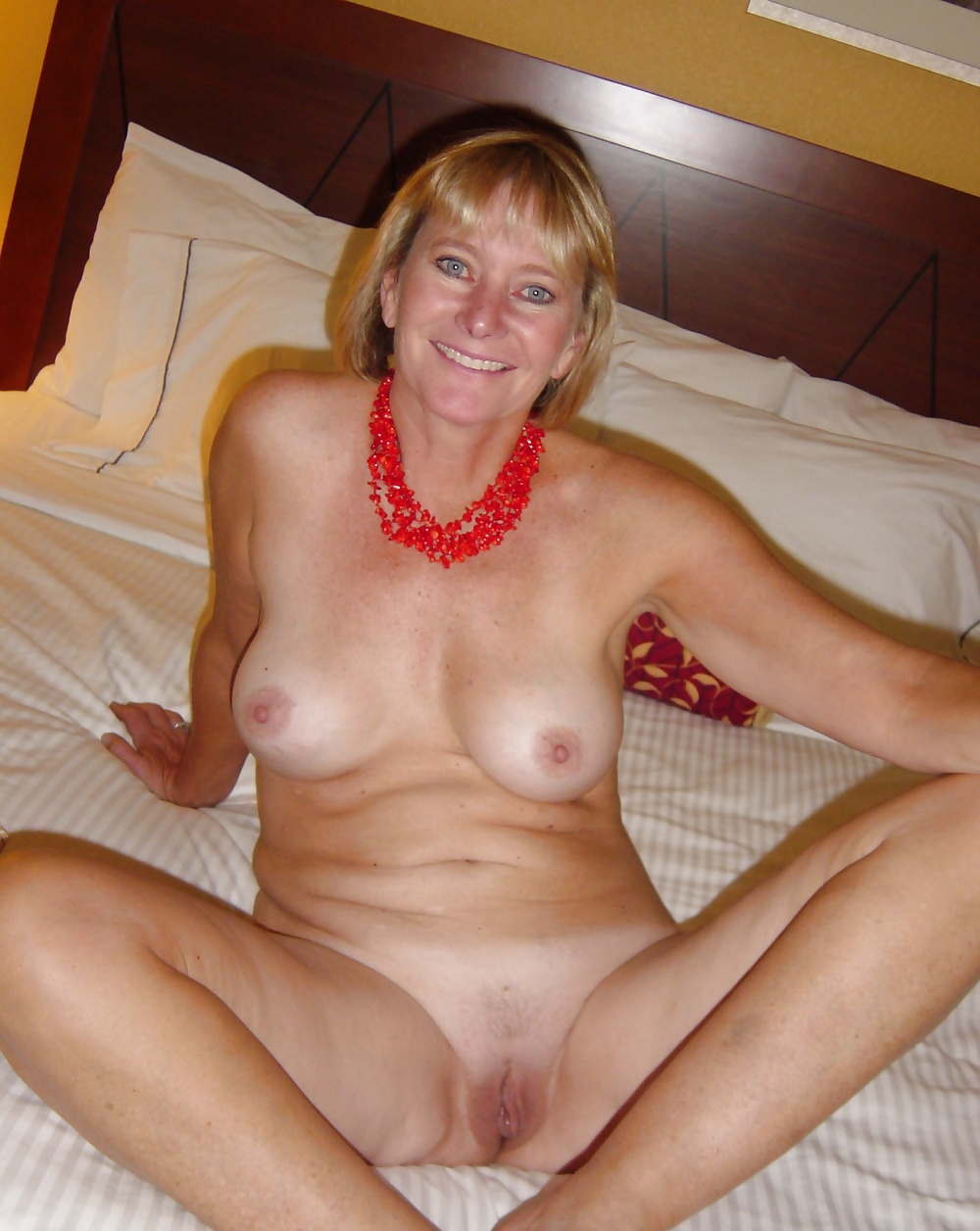 mature-housewives-milfs-amatuer