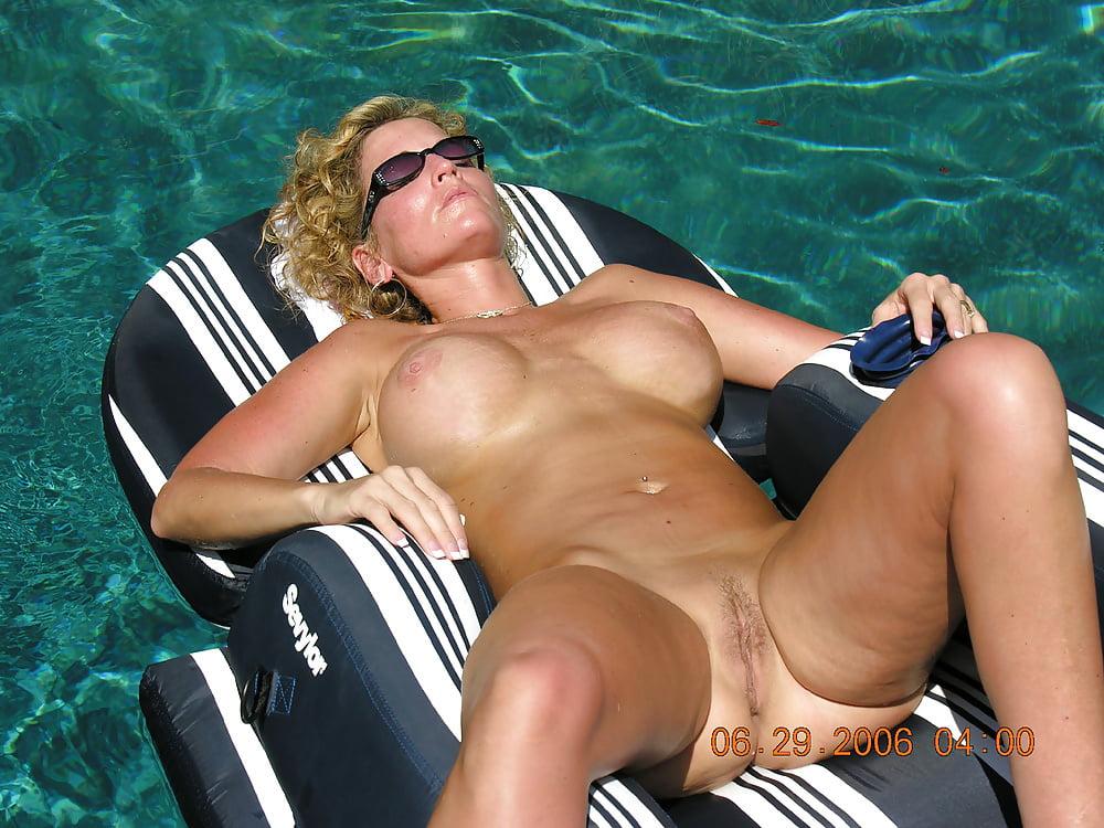 Hot horny naked wives-6897