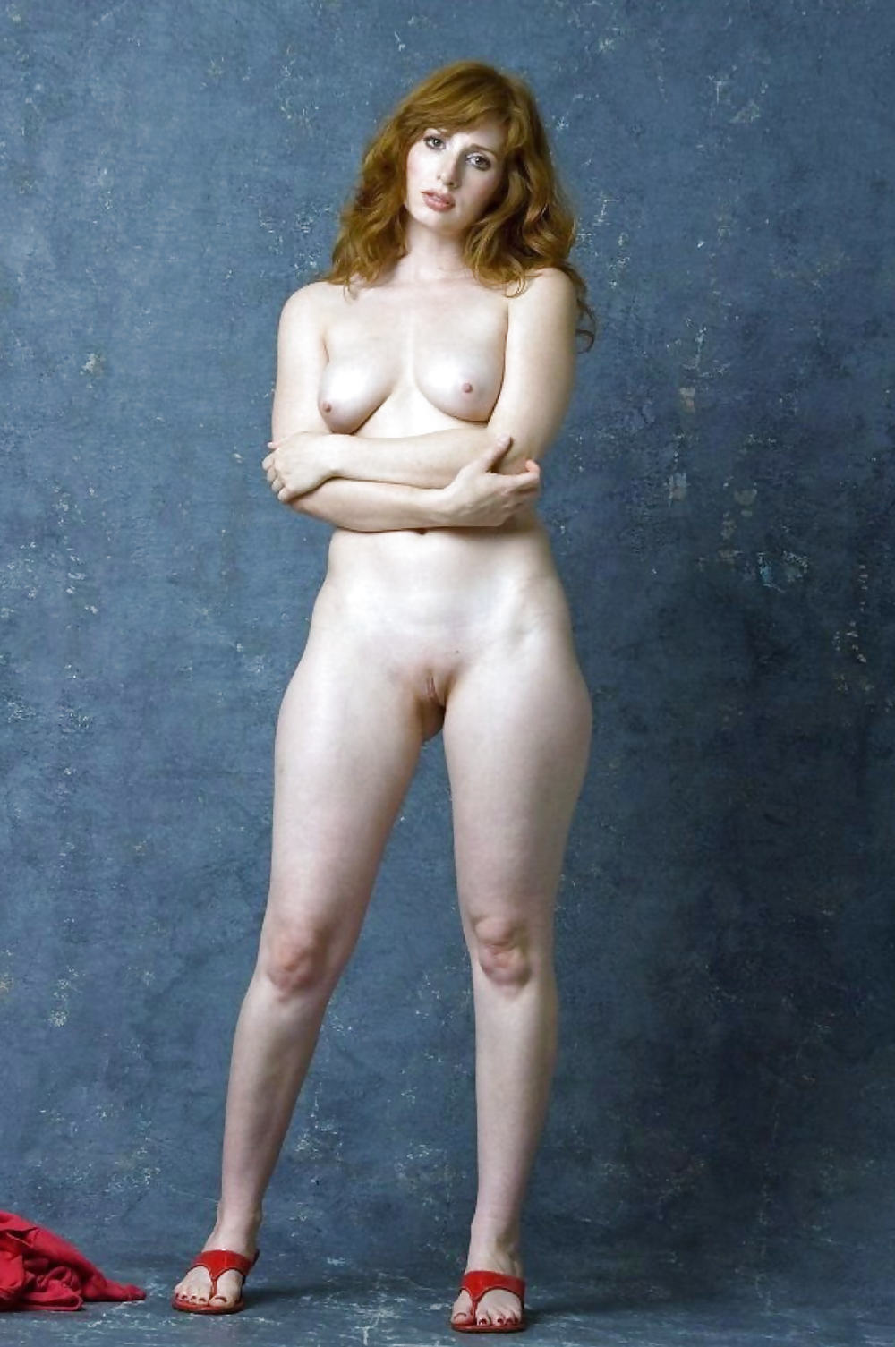 Полностью голые женщины в полный рост