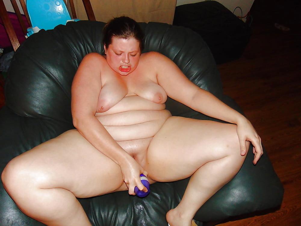 Amateur wife huge dildo