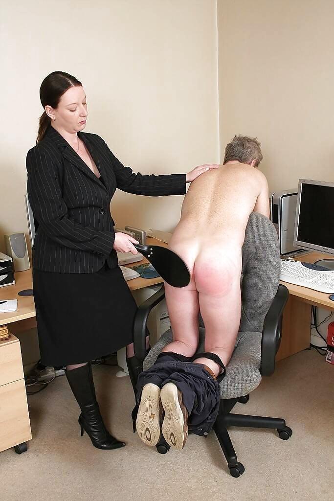 naaked-golf-female-bosses-who-spank-men