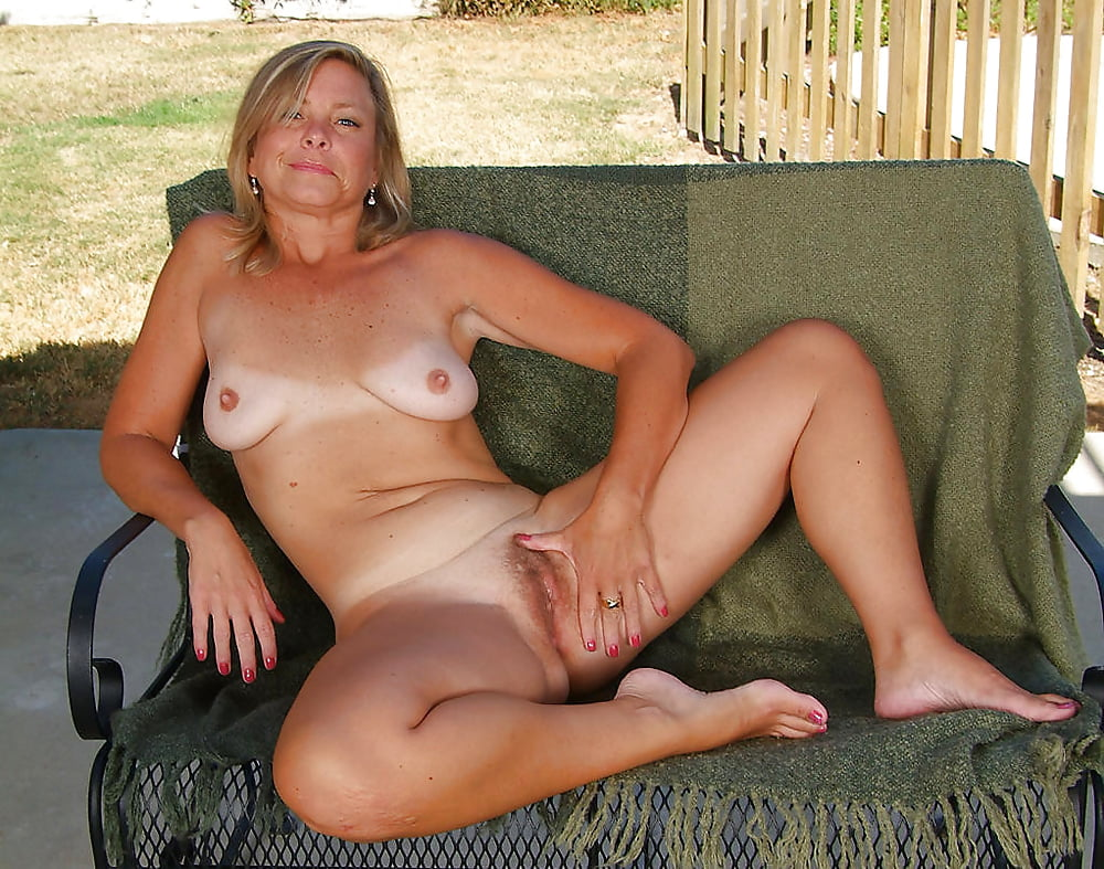 Naked mature woman uk 6