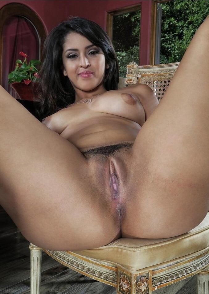 Free latina pussy shaved #4
