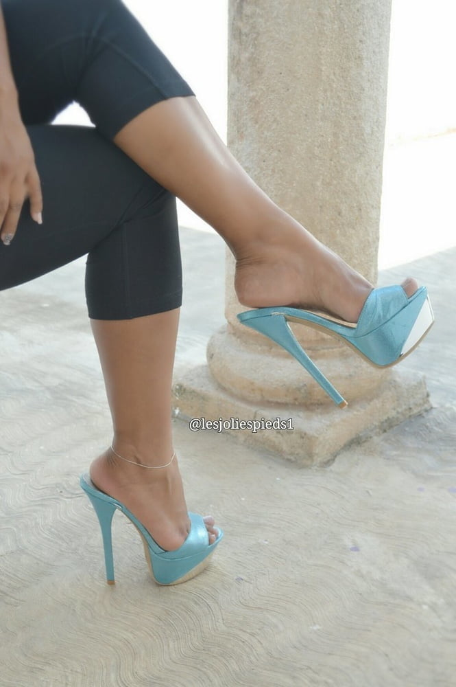 For Those With A High Heel And Foot Fetish 4 - 149 Pics
