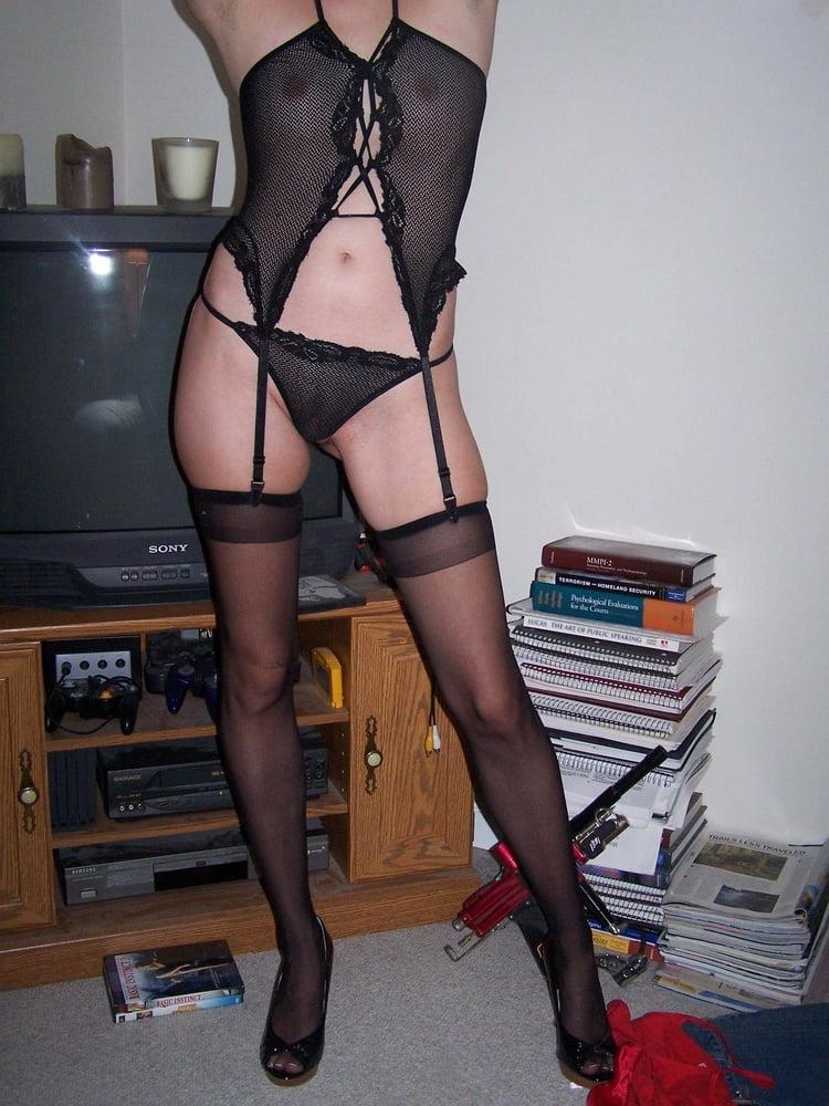 Slim Slut - 37 Pics
