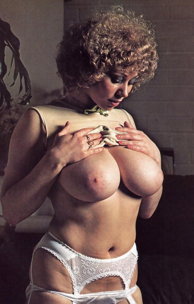 Vintage big breasts pics — photo 8