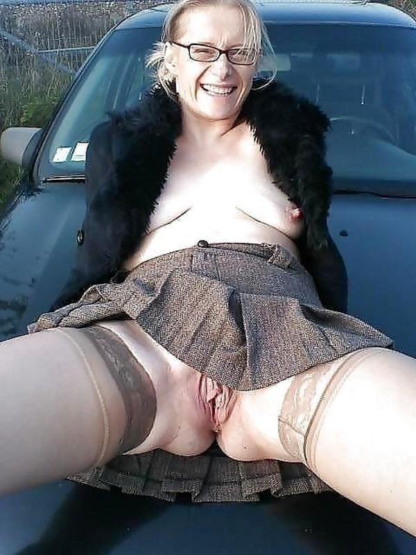 Upskirt mature sex pics, women porn photos