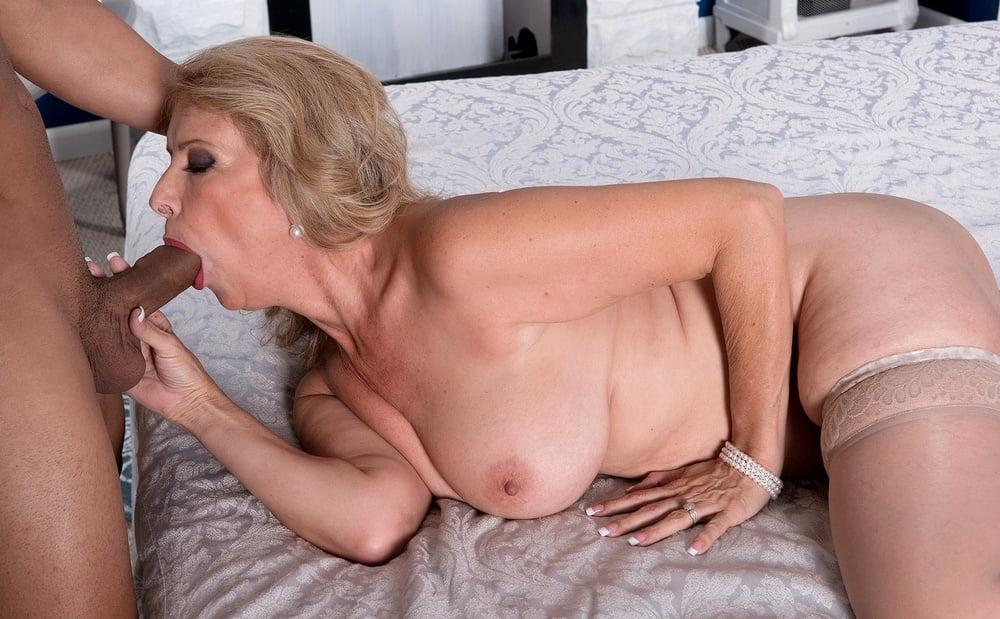 sex-scandel-milf-mrs-odare-sex-nude