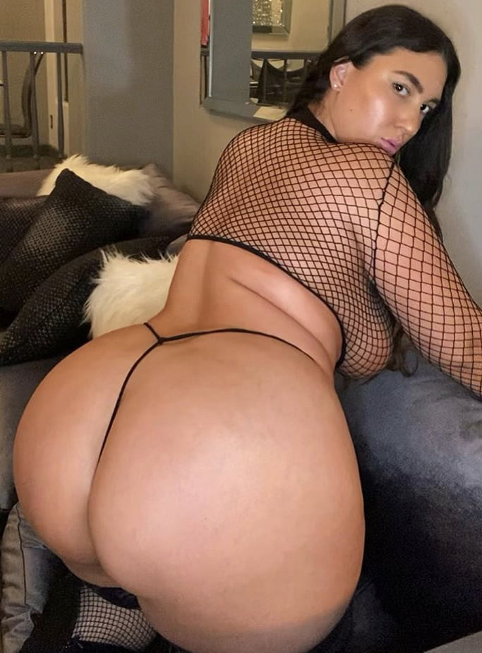 Thick Beauties 97 - 181 Pics