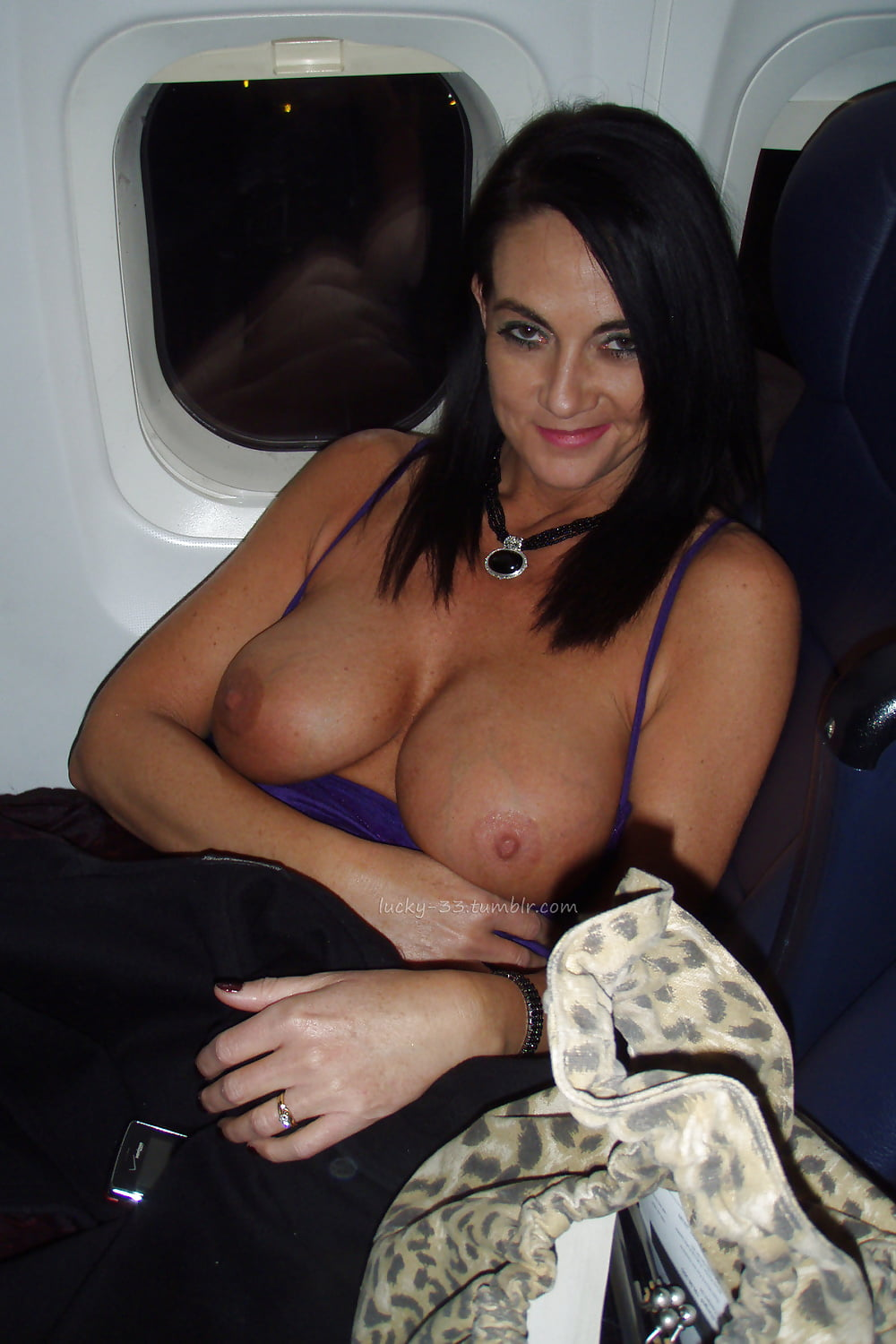 Flashing nude pictures on a plane 1