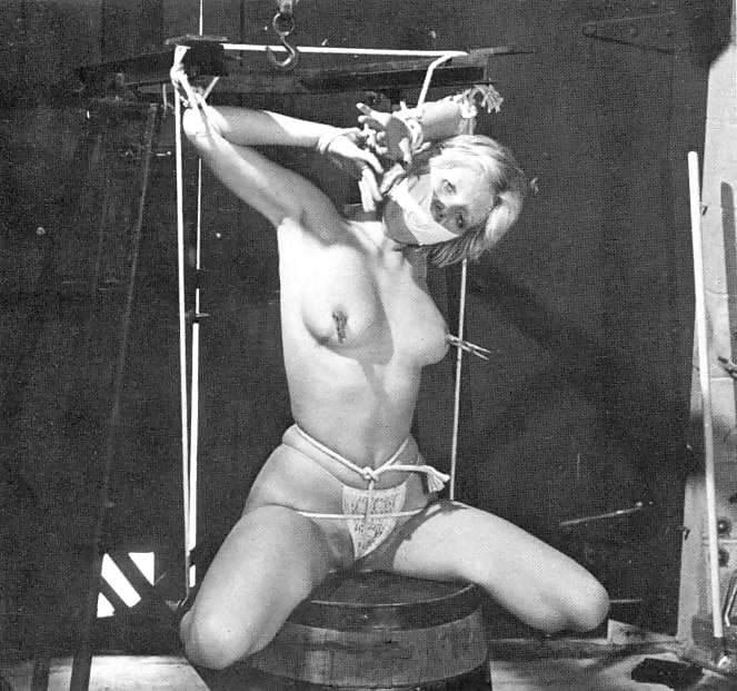 Retro bondage sex — pic 14