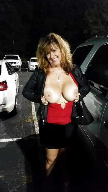 Amateur wife picked up in store