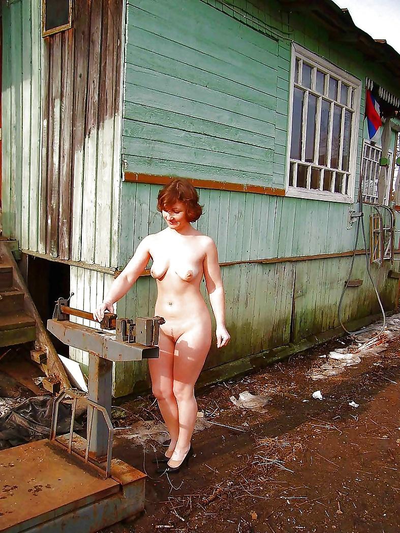 mashine-kunilingus-russkie-golie-babi-v-derevnyah-lesbiyanki