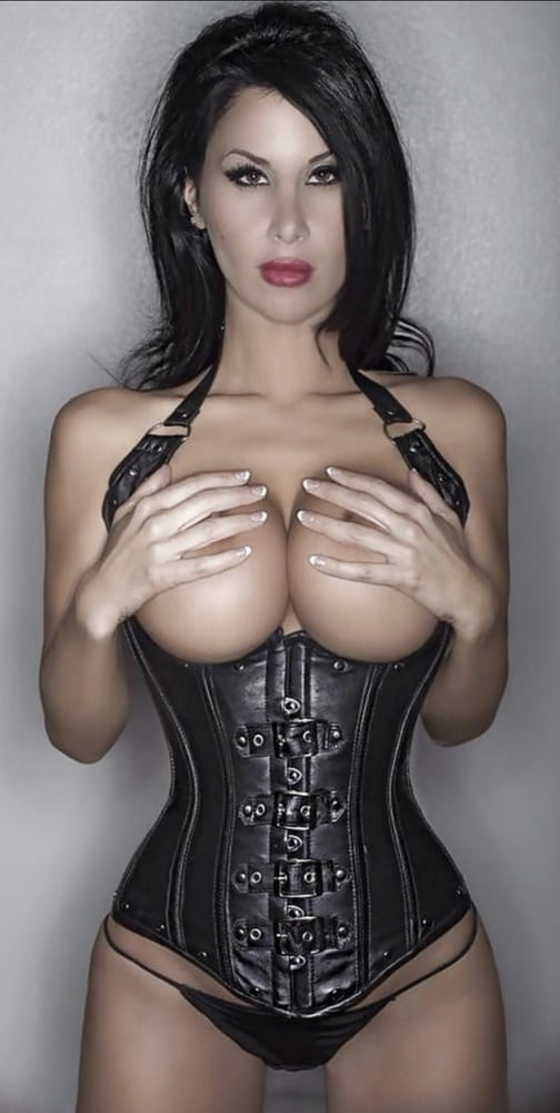Underbust corset modeling