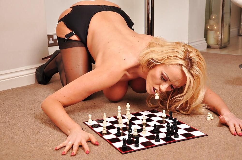 ноги эро фото шахматы - 12