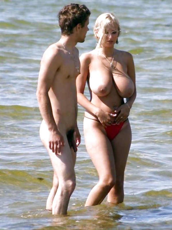 Naked mature couples-9639