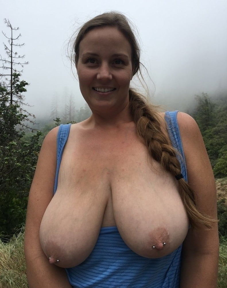 Tits, Tits, Tits and sexy Cleavage 40 - 176 Pics