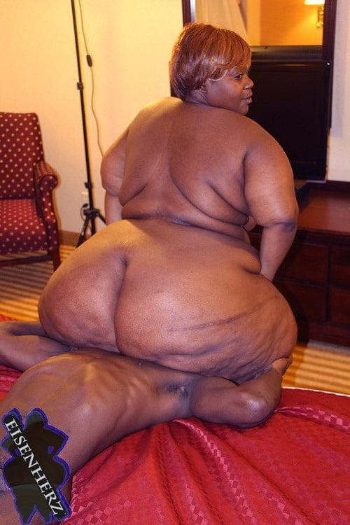 Fat black pourn #15