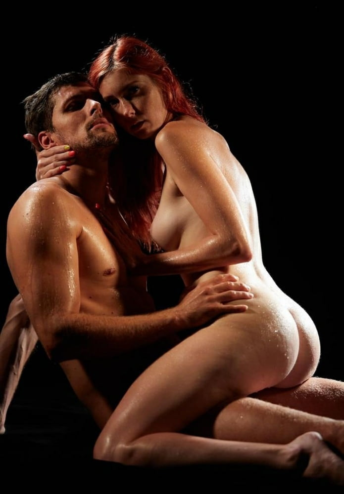 mendes-wet-naked-couple-rojas