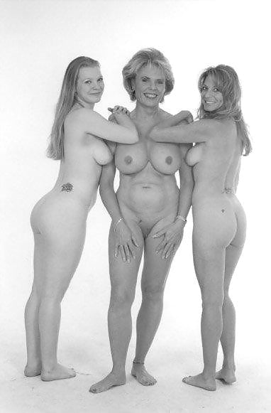 Mother outraged daughter asked to perform naked in art class