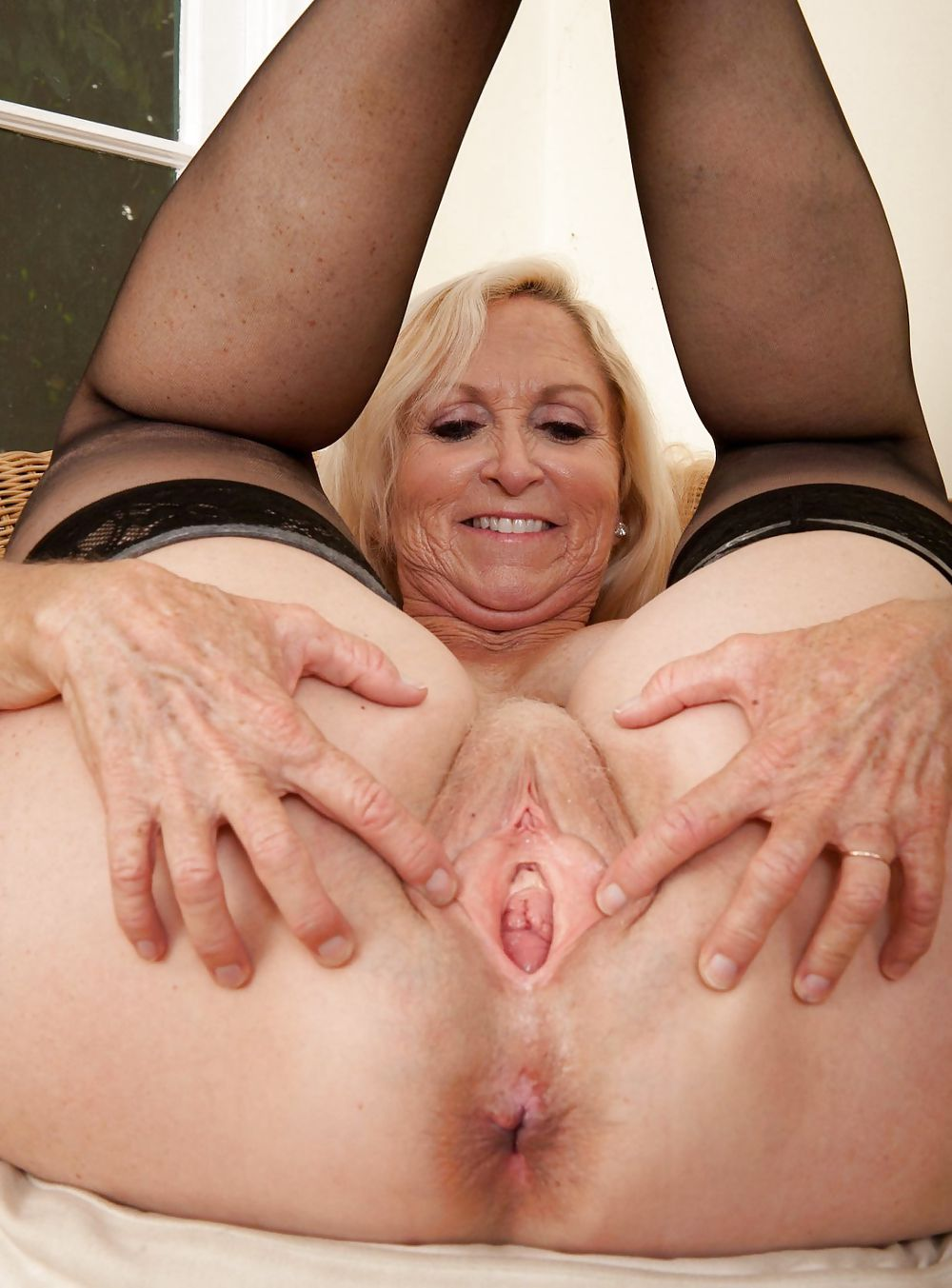 Granny pussy holes xxx — photo 14