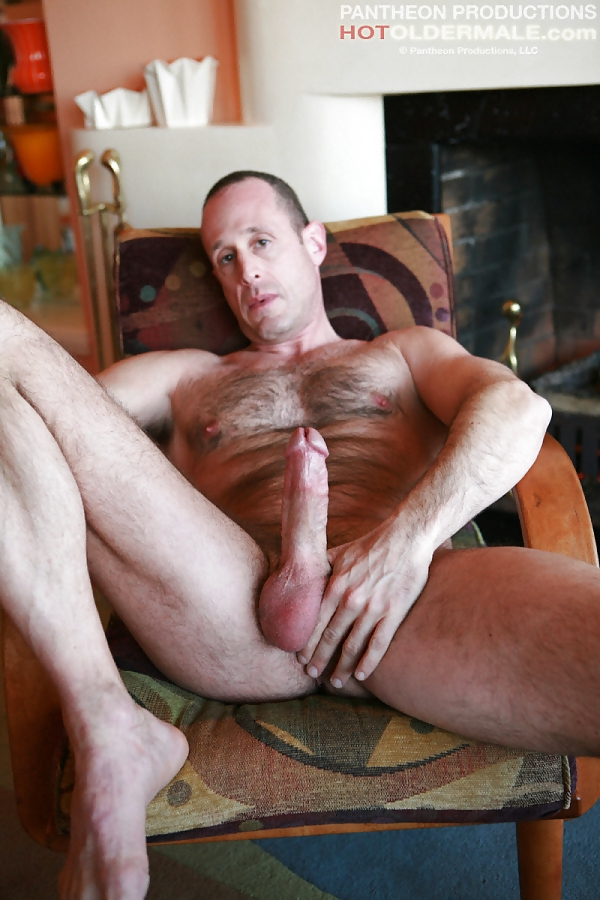 hairy muscle man fucks twink rough gangbang