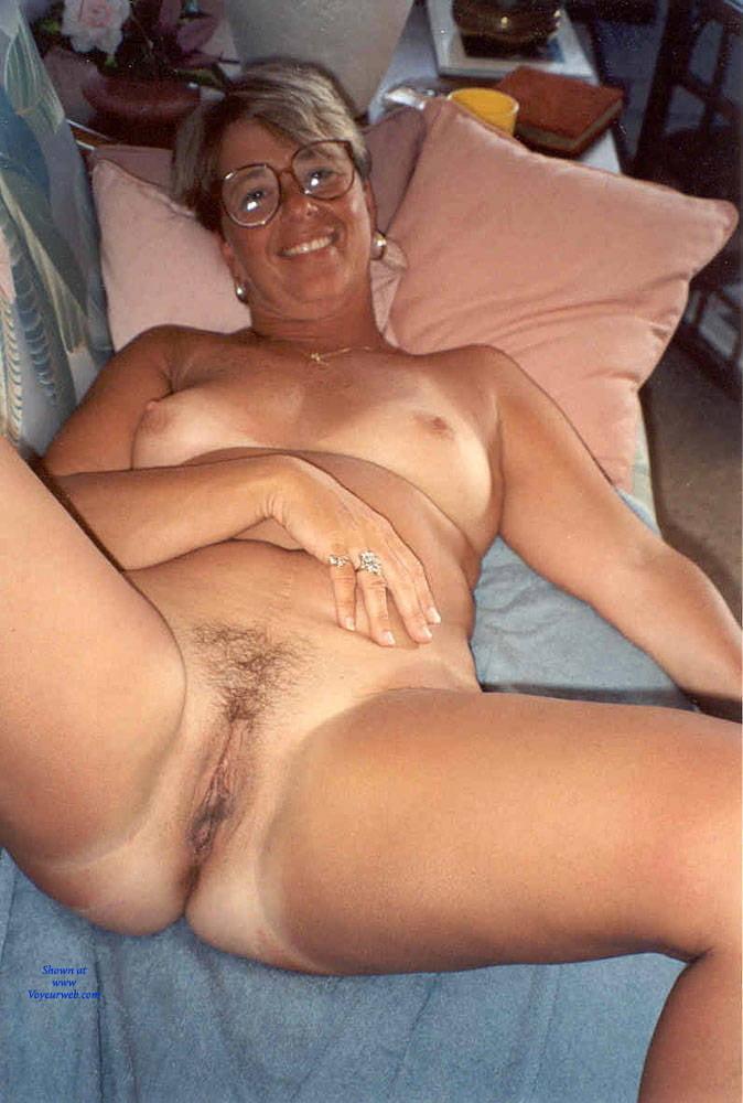 Gorgeous naked wife