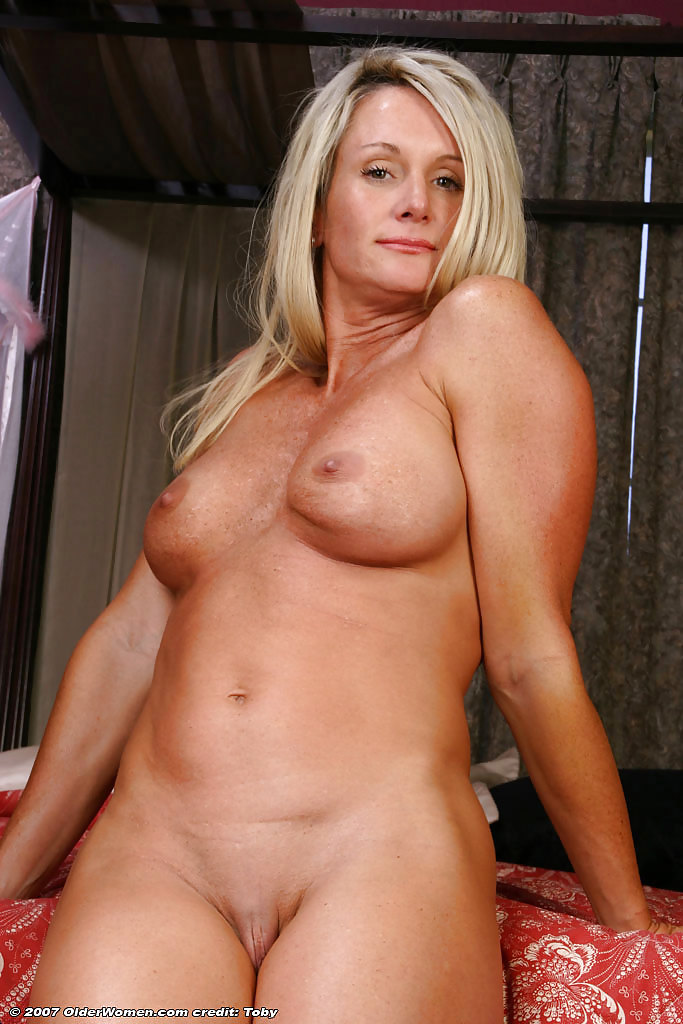 movie-hot-naked-milfs-with-abs-women