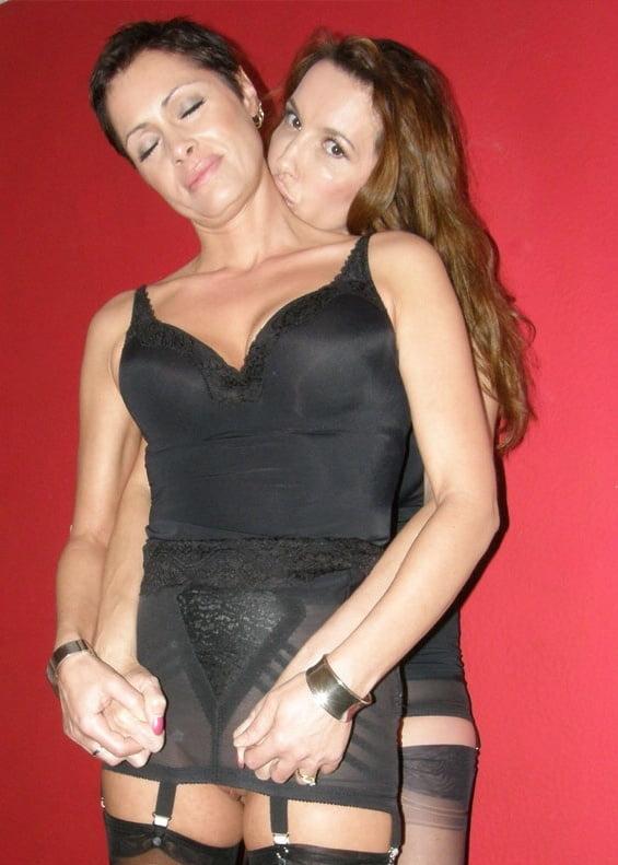 Lesbian pornstar strapon