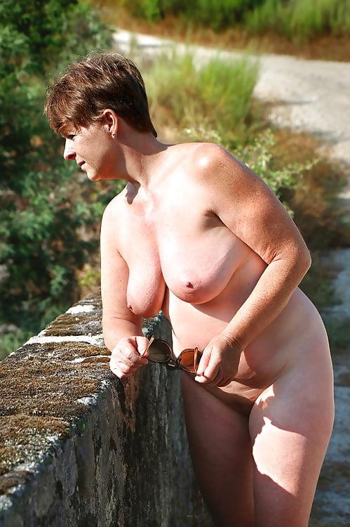 Sexy naked busty milfs-7668