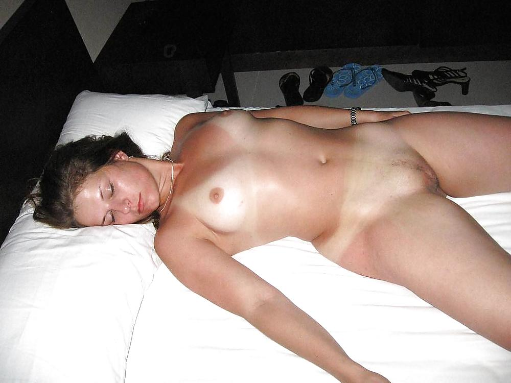 milf-passed-out-girlsex
