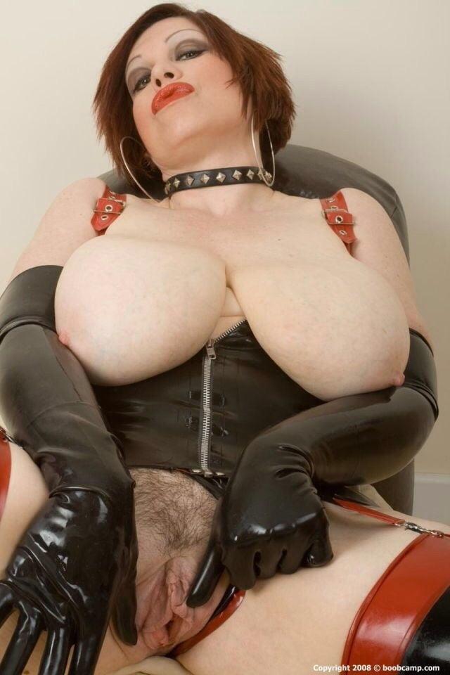 Dolly Naturtitten Fetisch Orgasmus