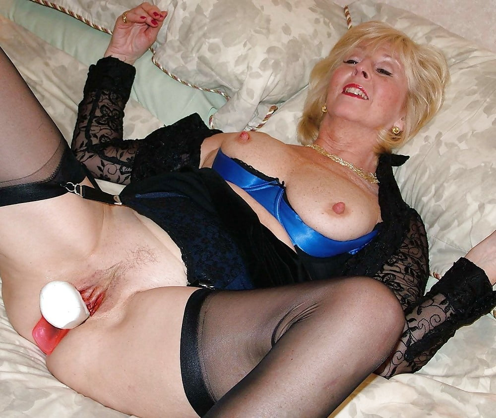 English Old Milf With Sexy Lingerie Porn Pics