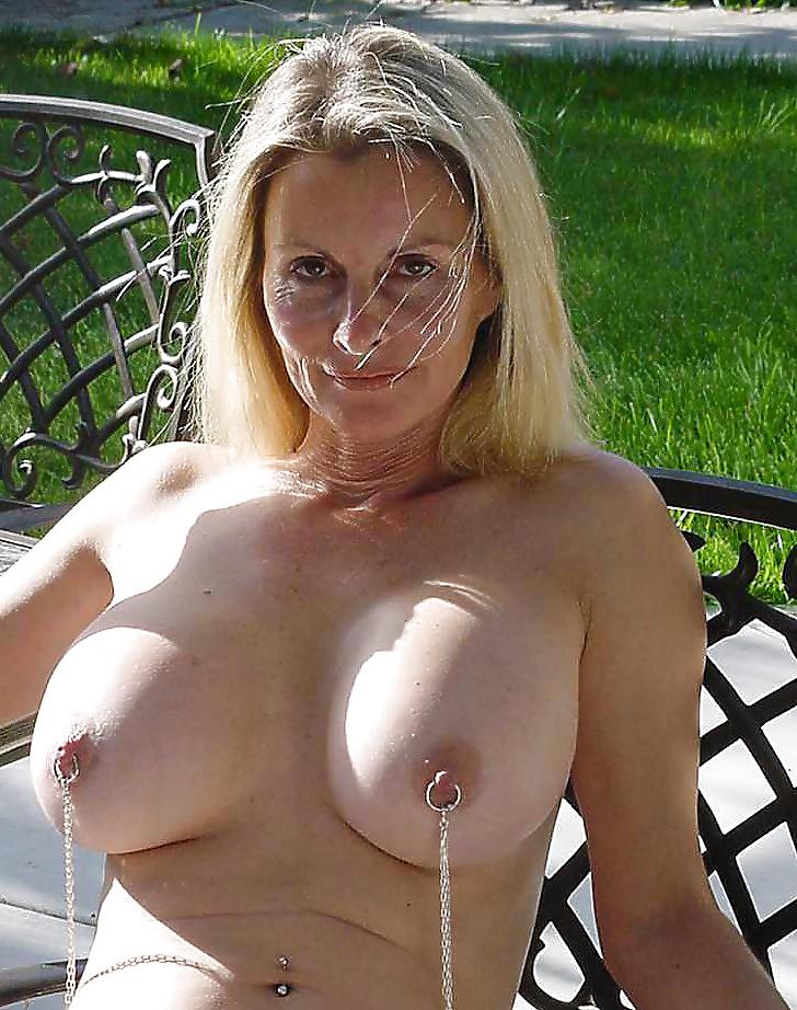 Young Saggy Tits Pics XXX