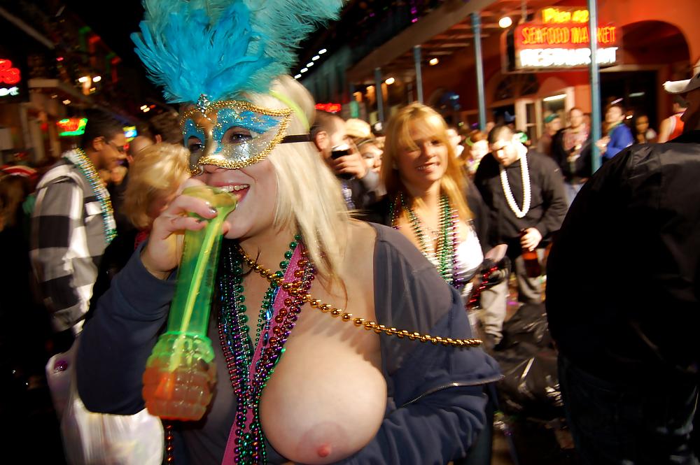 Sexy mardi gras nudes