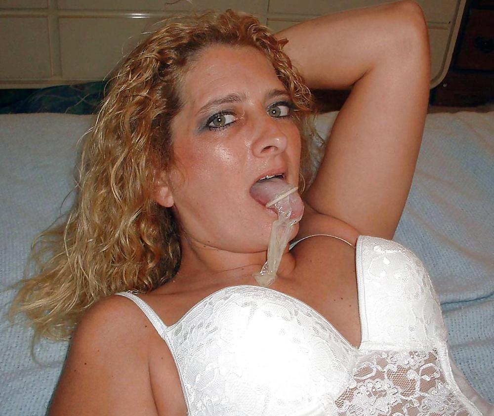 зрелые женщины пьют сперму фото два раза
